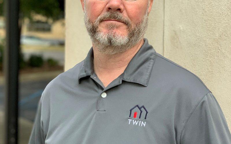 Alan Munson, Carpenter at Twin Compainies